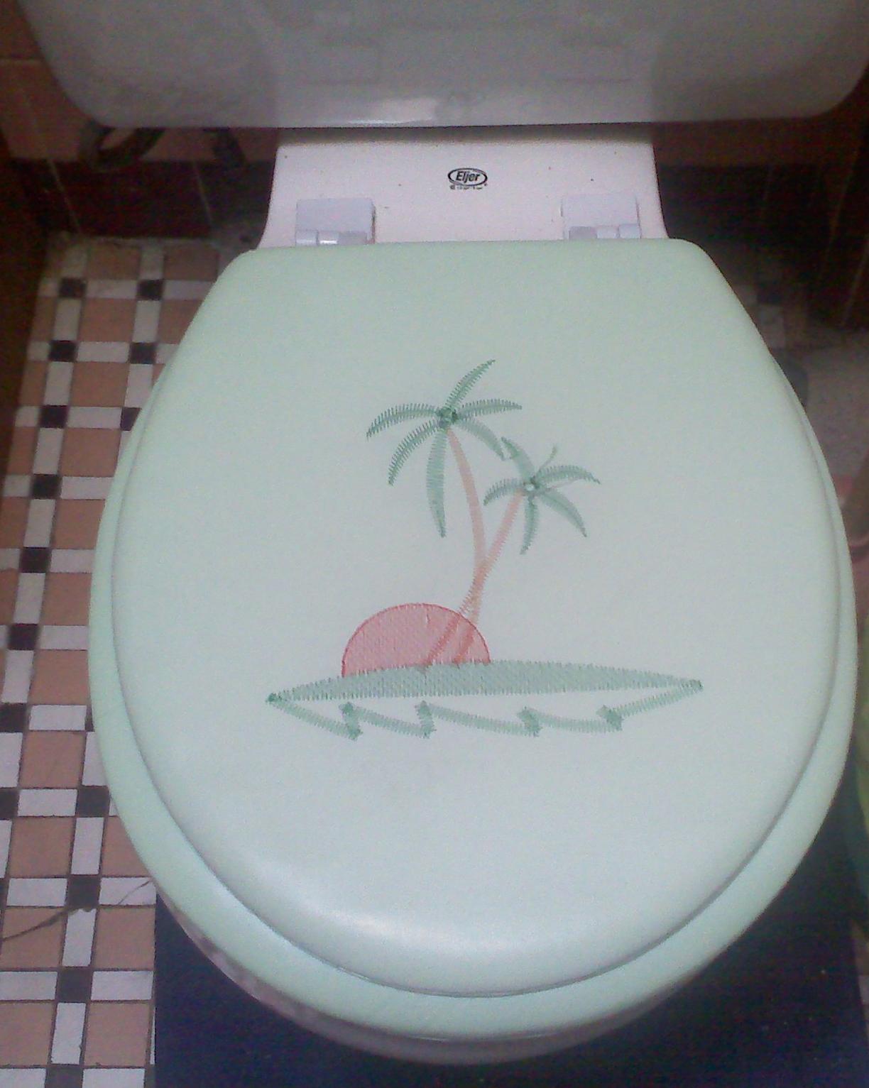 Terrific The Magical Mildew Tour My Ugly Bathroom Delightfully Ibusinesslaw Wood Chair Design Ideas Ibusinesslaworg